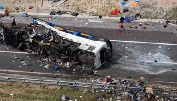 bus terguling di cimahi