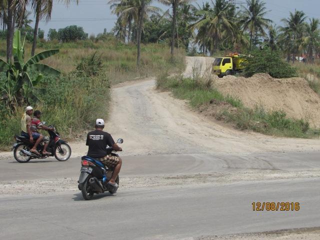 Jalan Kalitimbang rusak