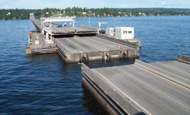 Jembatan Apung Cilacap