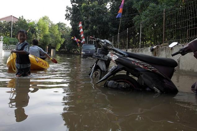 banjir di 8 kecamatan di jakarta