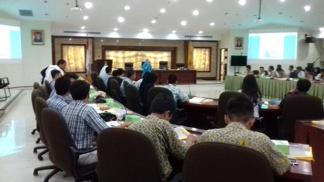 Para Pelajar Saat Mengikuti Workshop Perfilman Di Ruang Rapat Akhlakul Karimah Pemkot Tangerang. (Foto, BidikBanten)