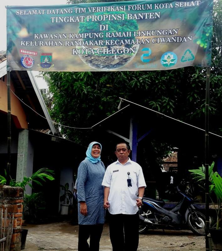 Sekretaris Dinas Kesehatan Kota Cilegon, dr. Hana Johan Saat Mengunjungi Tempat Lokasi Kota Sehat