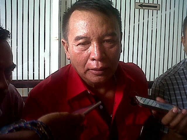 Ketua Tim Pemenang Internal DPP PDI Perjuangan, Tb. Hasanudin saat Diwawancarai Awak Media Saat Acara Rakercabsus PDI P. (Foto, BidikBanten)