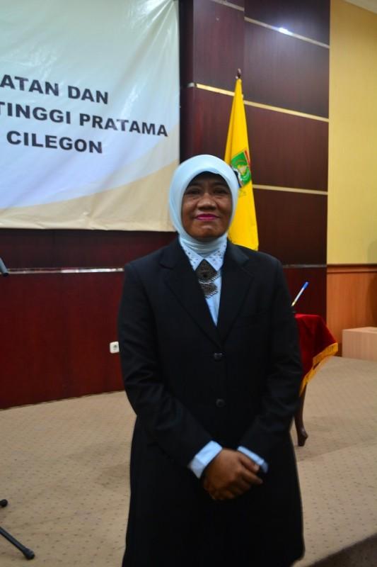 Sari Suryati Usai Menjalani Pelantikan Sebagai Sekretaris Daerah Kota Cilegon. (Foto, Ist)