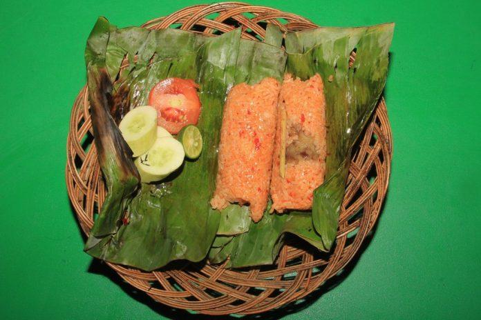 Nasi_bakar_sumsum_menjadi_salah_satu_kuliner_khas_dari_Kota_Serang_Banten-696x464