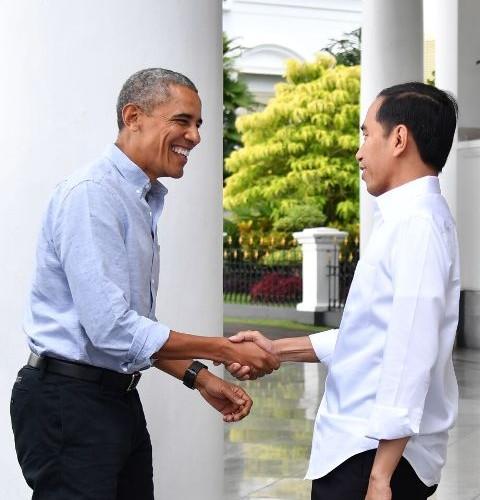jokowi bersalaman bersama obama