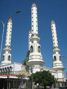220px-Masjid_Agung_Cilegon