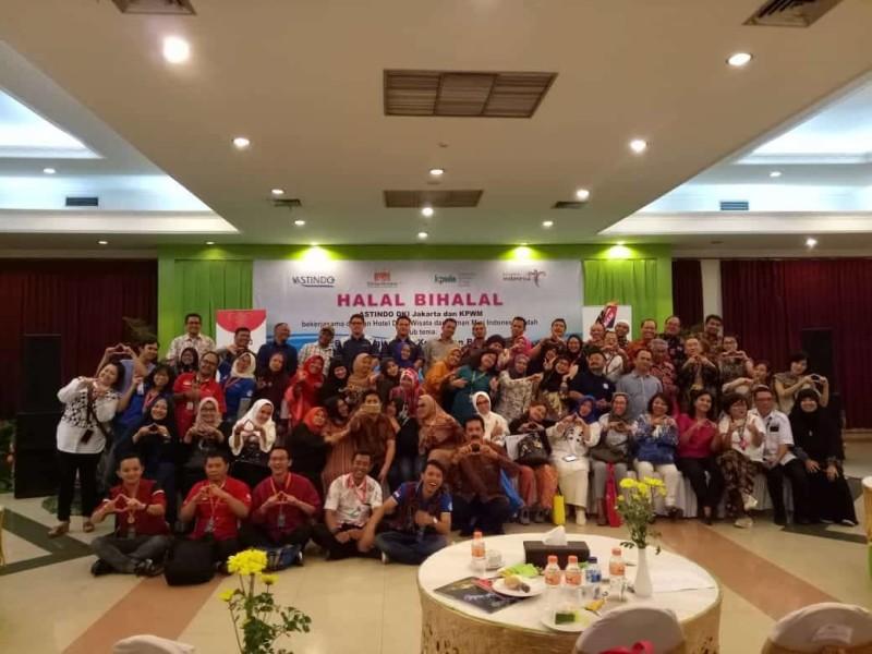Foto 2 – Suasana Acara Halal Bihalal ASTINDO, KPWM, dan ITLA bekerjasama dengan Hotel Desa Wisata. (Dok. Perwira Management)