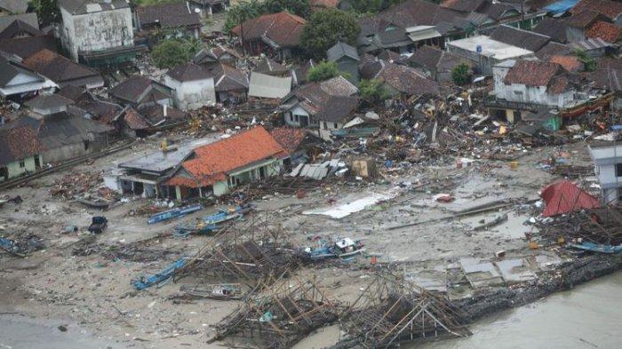 garis-pantai-di-kawasan-banten-yang-terdampak-tsunami-selat-sunda-dari-pesawat-cessna-208b