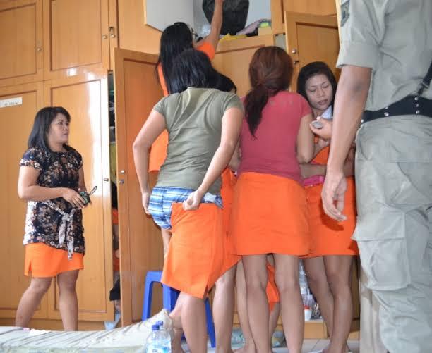 Salah satusalon plus-plus yang diketahui menjadi tempat prostitusi
