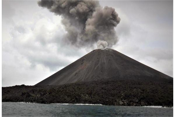 gunung-anak-krakatau