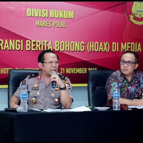 Kepala biro Multimedia Divisi Humas Polri, Brigjen. Pol. Drs. H. Budi Setiawan, M.M