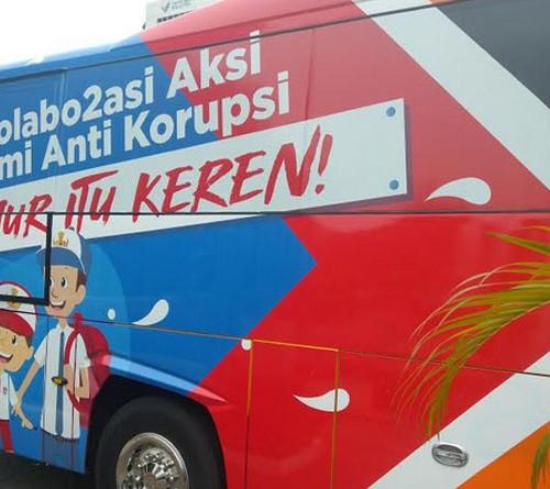 bus_kampanye_anti_korupsi