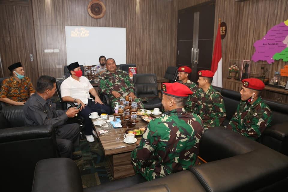 Group 1 Kopasus bersilaturahmi ke kantor Walikota Serang.