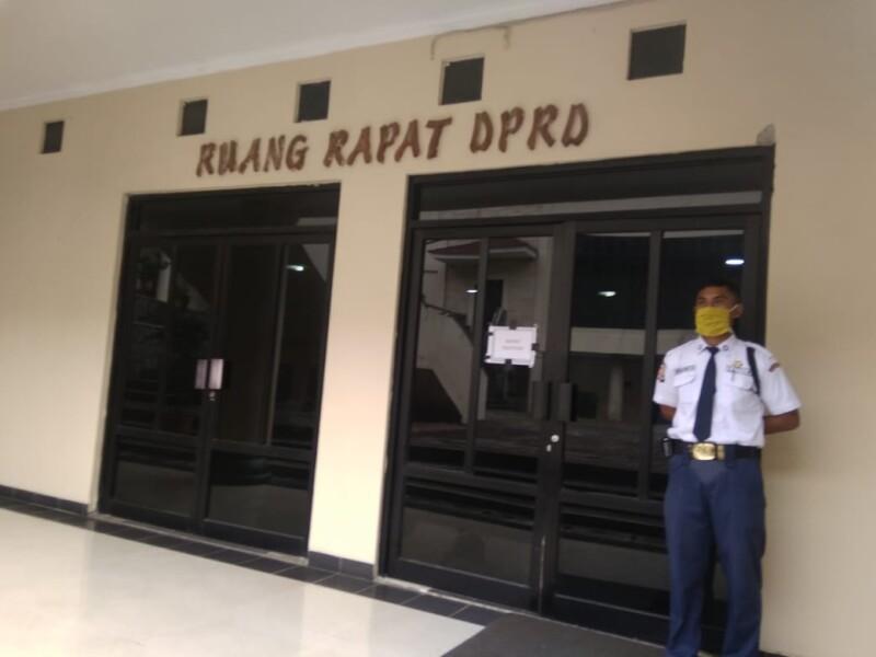 Hearing Tertutup komisi III DPRD Cilegon yang membahas soal aset Tanah Bengkok. (Foto Emi)