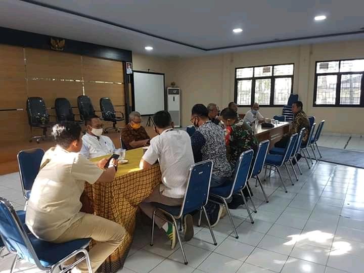 Rapat Muspika Kecamatan Jombang yang dihadiri Kurah se Kecamatan Jombang, Polres Cilegon, Babinsa Kodim dan LSM Gapura Banten.