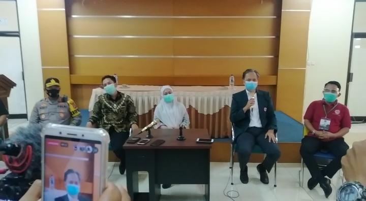 Konfrensi pers IDI terkait status bakal calon Walikota Cilegon, Ari Marliati di Aula RSUD Cilegon, Rabu (9/9/2020).
