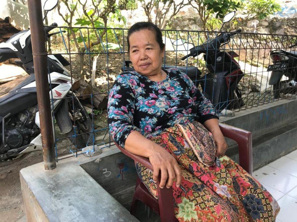 Ibu Sawi, warga sekitar PLTU Suralaya, Cilegon, Banten