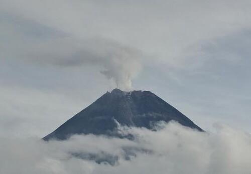 10-21-08-guguran-gunung-merapi-1_169